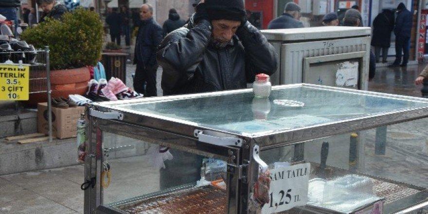Soğuk havada ekmek kavgası
