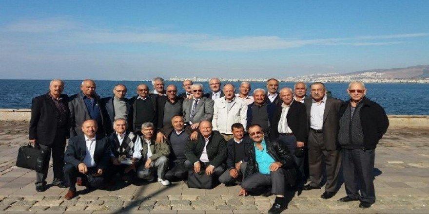Asker arkadaşları 42 yıl sonra İzmir'de buluştu