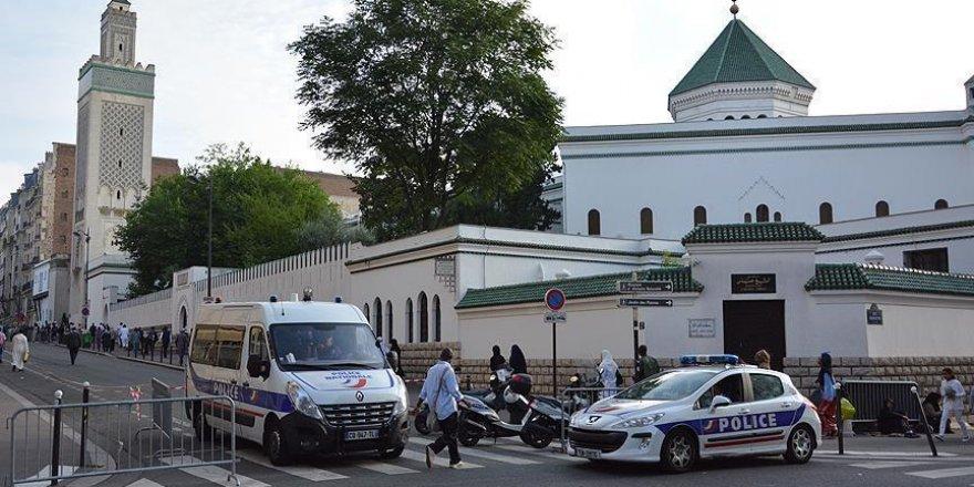 Fransa cami saldırılarına tepkisiz kalıyor