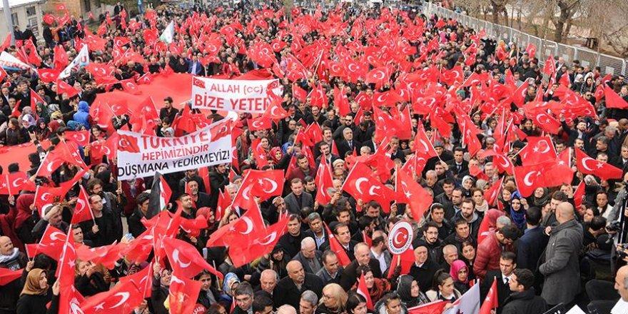 """Mardin'de """"Huzur ve Kardeşlik"""" mitingi düzenlendi"""