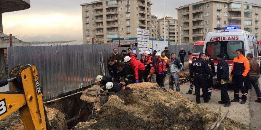 Bursa'da 1 işçi göçük altına kaldı
