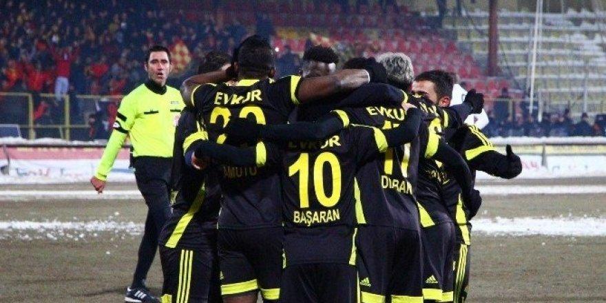 Evkur Yeni Malatyaspor, ilk yarıyı ikinci sırada tamamladı