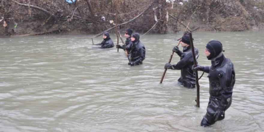 Kaybolan avcı 335 gündür bulunamıyor