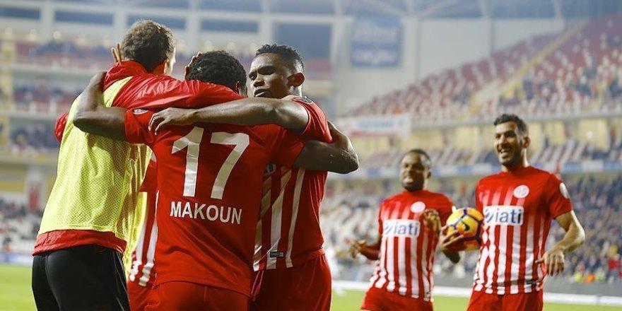 Antalyaspor sahasında Kasımpaşa'yı mağlup etti