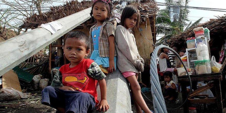 Filipinler'de Nina tayfunu nedeniyle 220 bin kişi tahliye edildi