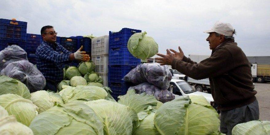 Antalya'da çiftçi Rus pazarının açılmasını bekliyor
