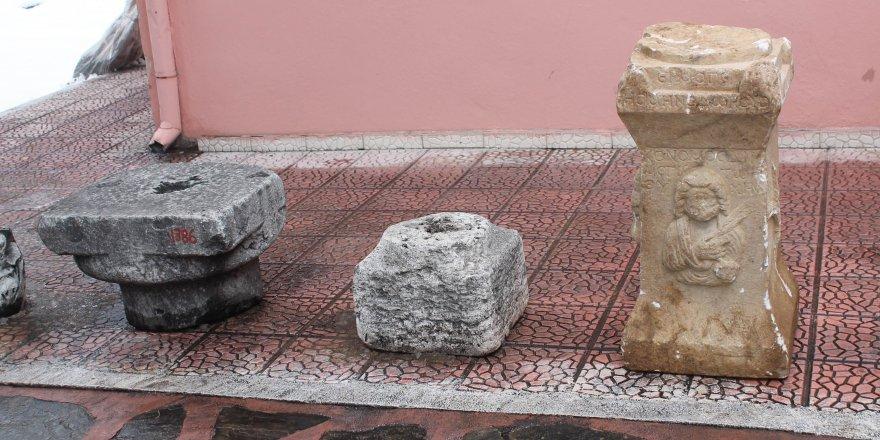 Konya' da  Romalılar dönemine ait Sunak taşı bulundu