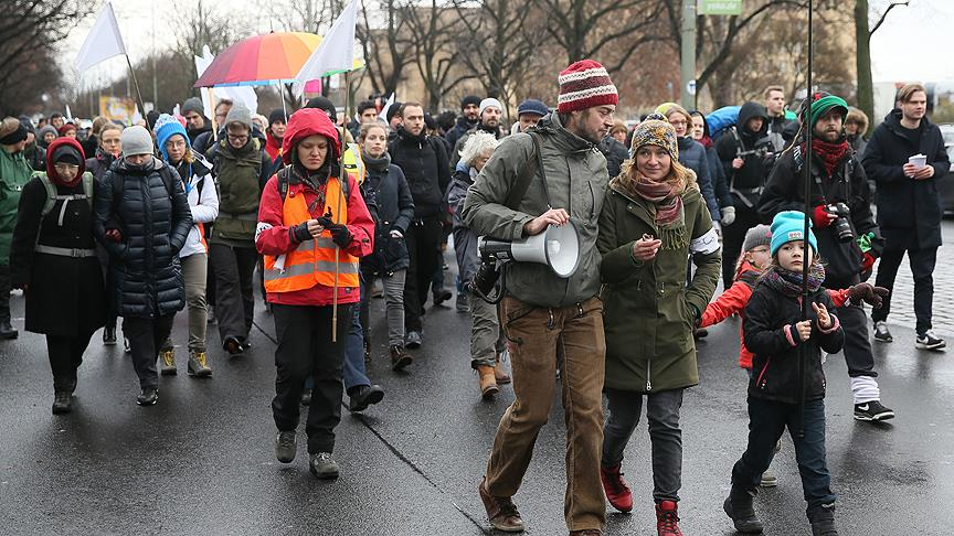 Suriye'deki siviller için Berlin'den Halep'e yürüyecekler