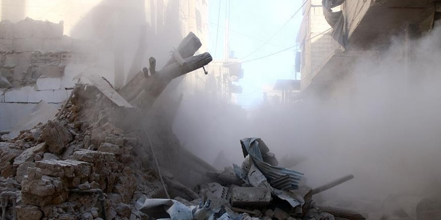 Suriye'de köye hava saldırısı: 23 ölü