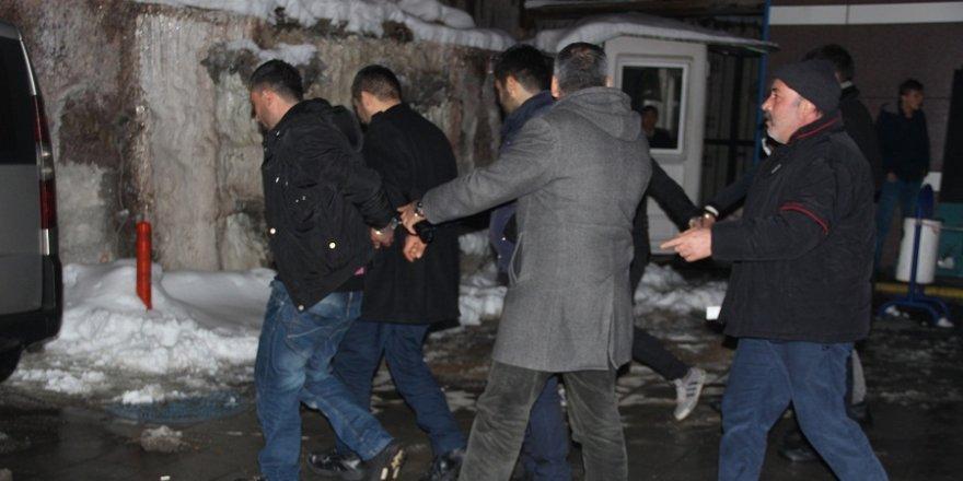Konya'da çalıntı otomobille gasp olayında 4 gözaltı