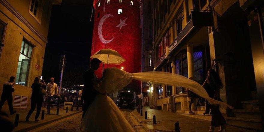 Her 6 çiftten biri İstanbul'da evleniyor
