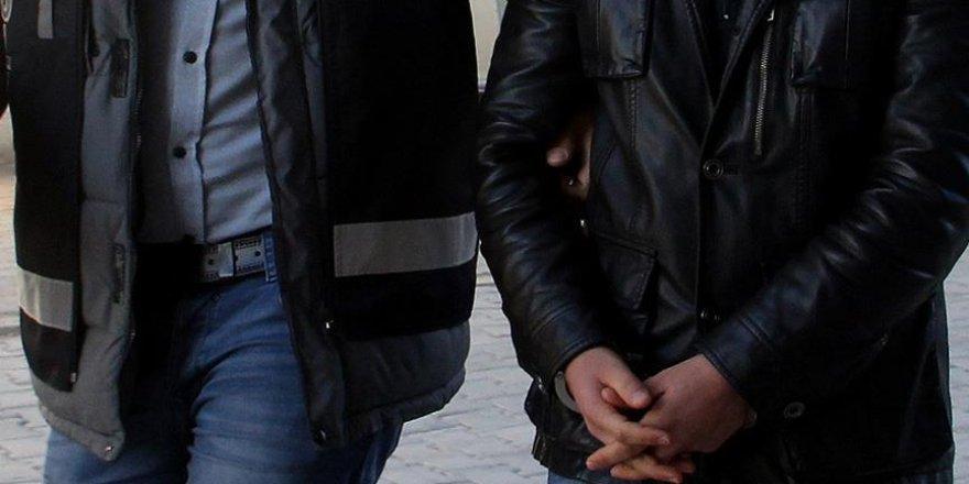 FETÖ operasyonlarında aranan 327 asker yakalandı