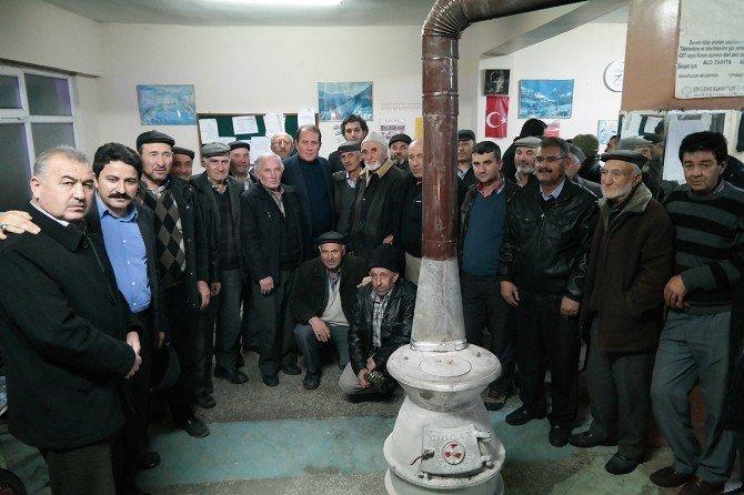 Karacan, ziyaretlerine hız kesmeden devam ediyor