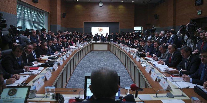 Anayasa değişiklik teklifinin 9. maddesi kabul edildi