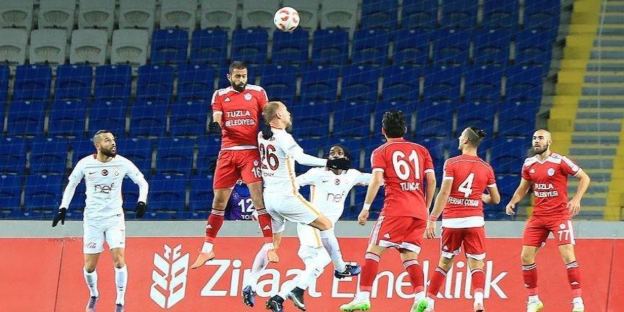 Galatasaray kupada ilk yenilgisini Tuzlaspor'dan aldı