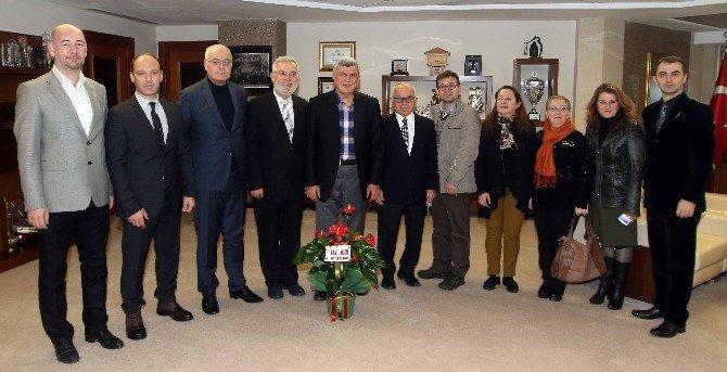 Başkan Karaosmanoğlu, Kafkas Derneğini ağırladı