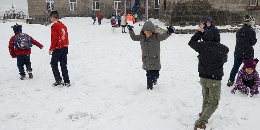 İstanbul ve 33 ilde eğitime kar tatili