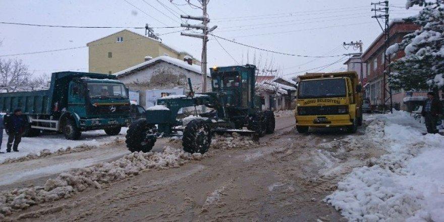 İnönü Belediyesi karla mücadelesini sürdürüyor
