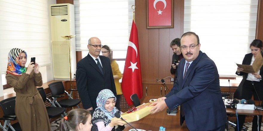 Konya'da şehit çocuklarına dizüstü bilgisayar