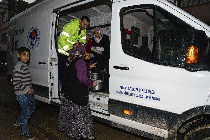 Büyükşehir'den sel mağduru ailelere yemek