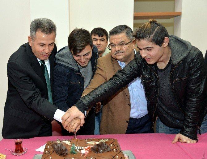 Vali Elban'dan yeni yıl ziyaretleri