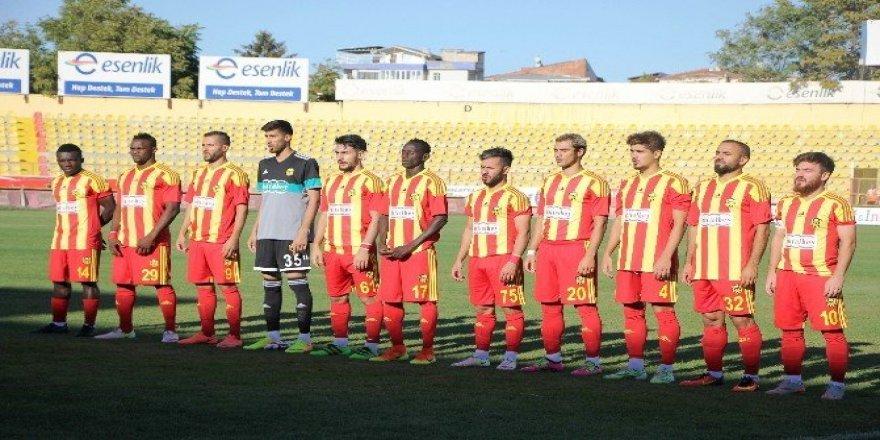 Evkur Yeni Malatyaspor'da 4 oyuncu ile yollar ayrıldı