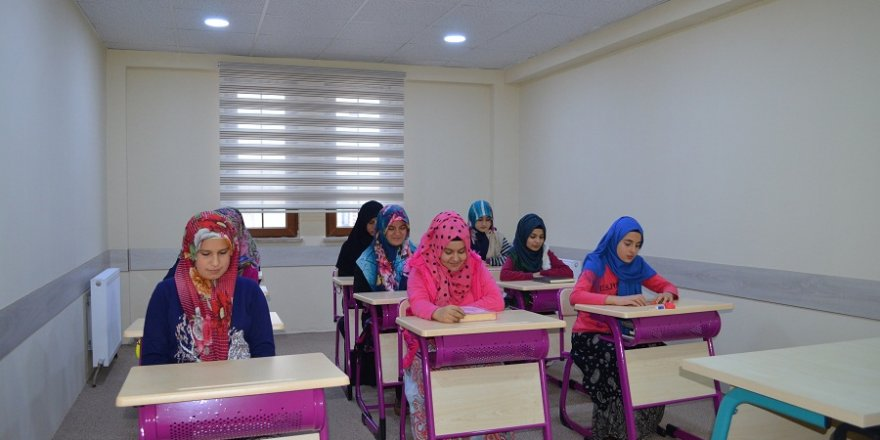 Ilgın'da yatılı kız Kur'an kursu açıldı