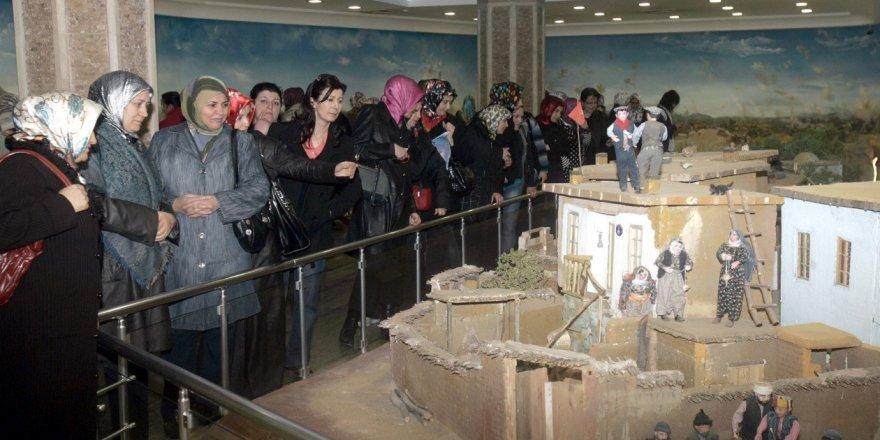 Şehitler Abidesi'ni 2016 yılında 565 bin kişi ziyaret etti