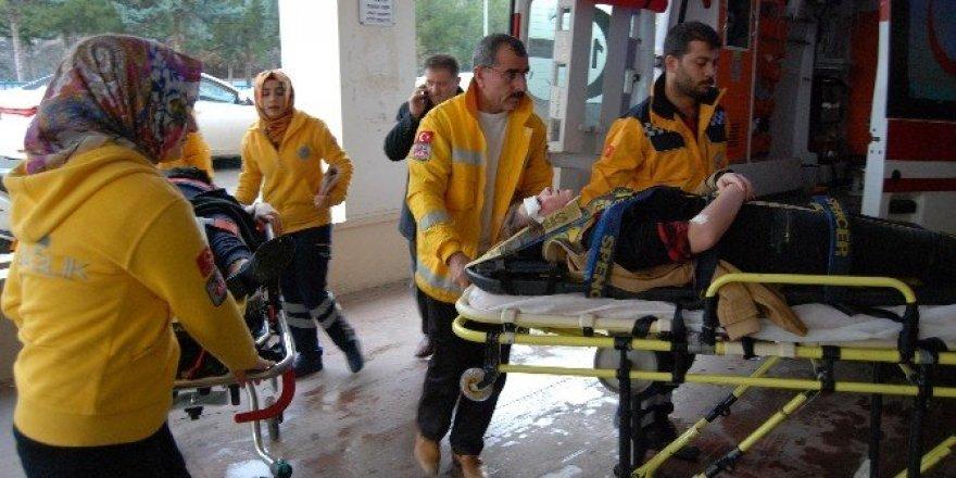 Şanlıurfa'da gizli buzlanma ve sis kaza getirdi: 3 yaralı