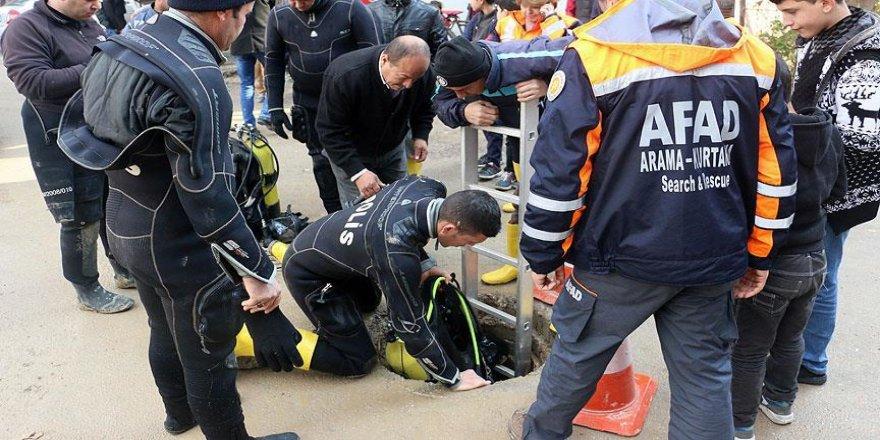 Mersin'deki selde kaybolan 2 kişiyi arama çalışmaları sürüyor