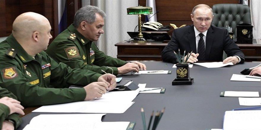 Rus uçak gemisi Suriye'den çekiliyor