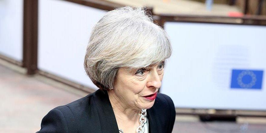 İngiltere Başbakanı May Trump ile görüşecek