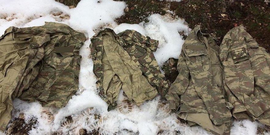 Ele geçirilen askeri kamuflaj elbiseleriyle ilgili inceleme sürüyor