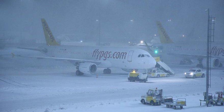 Bazı uçaklar Sabiha Gökçen Havalimanı'na yönlendirildi