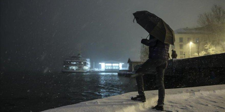 İstanbul Boğazı gemi trafiğe kapatıldı