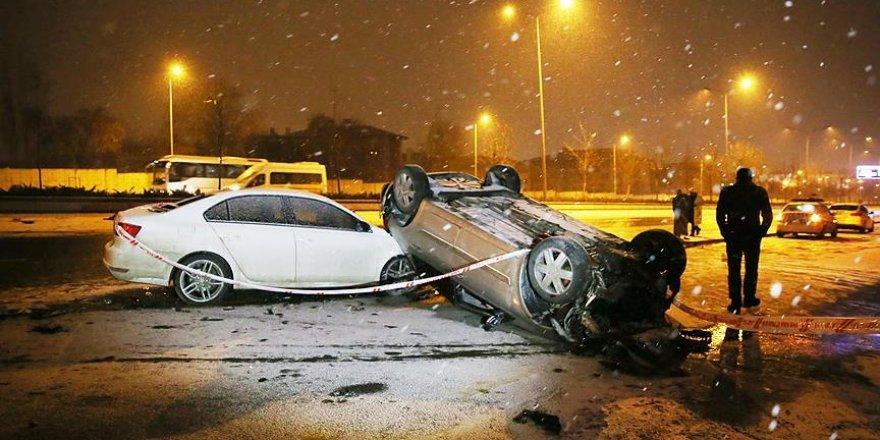 Kaza için uyarırken trafik kazası kurbanı oldu