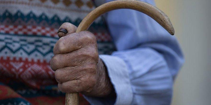 İki dil bilen yaşlılar beyinlerini daha etkin kullanıyor