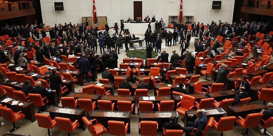 Anayasa görüşmelerine geçilmesi 338 oyla kabul edildi