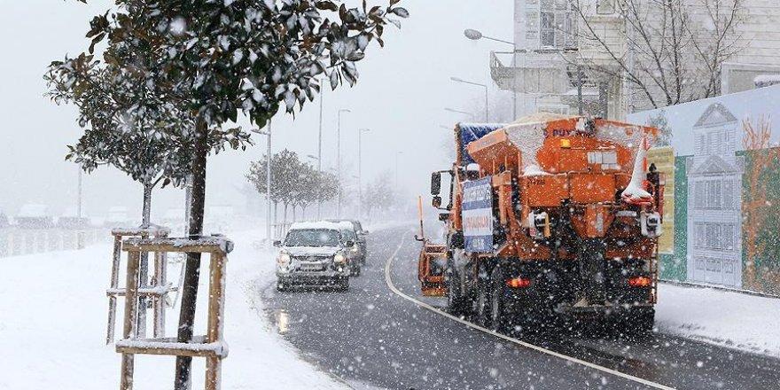 İstanbul'da karla mücadelede 136 bin ton tuz kullanıldı