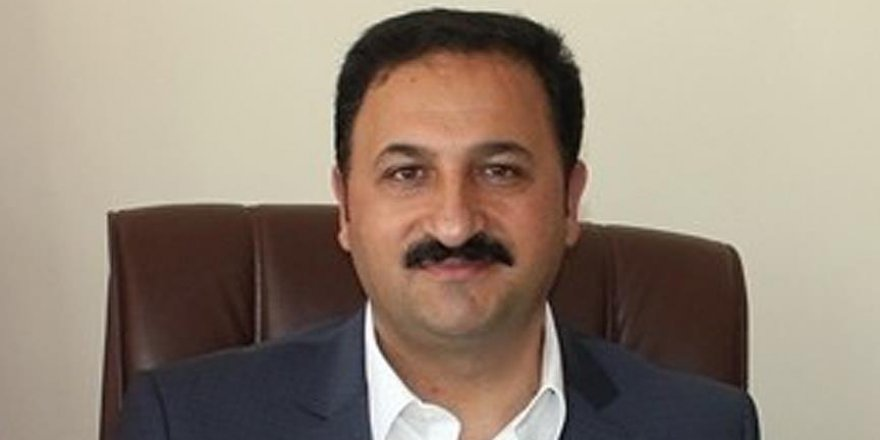 Eski başkan AK Parti aleyhine düzenli toplantılar yapmış