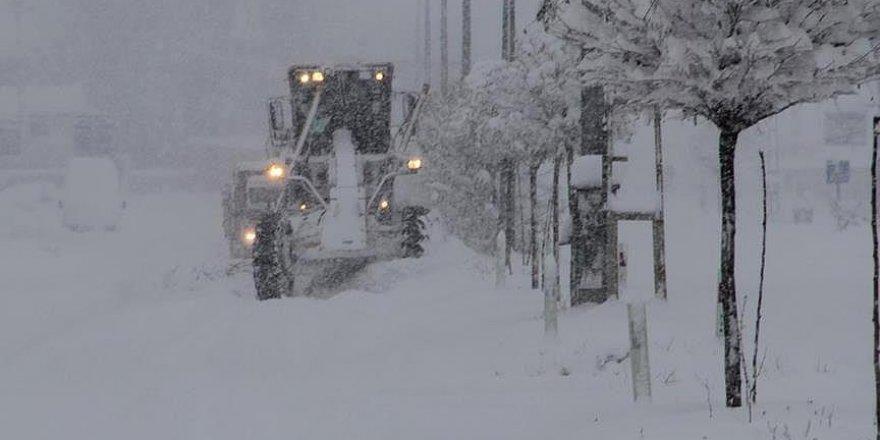 Sivas'ta 331 köy yolu ulaşıma kapandı