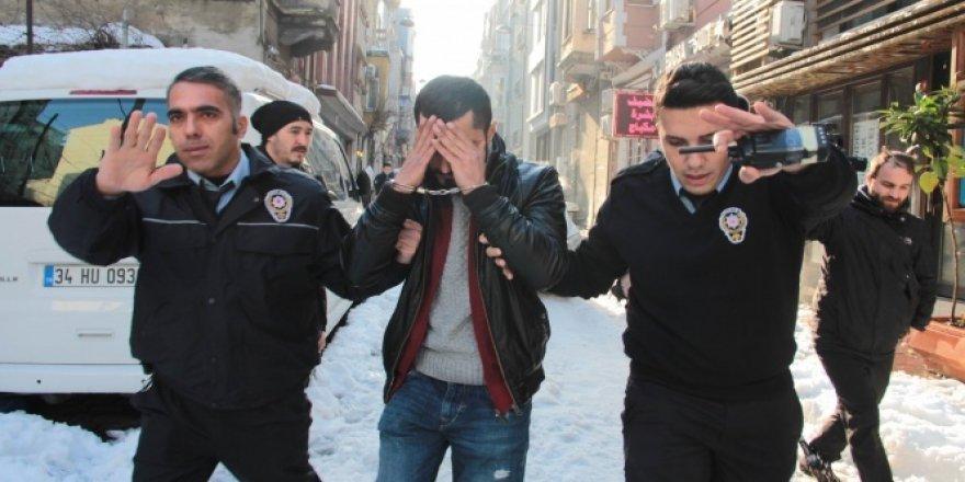 Beyoğlu'nda rehine iddiası polisi hareket geçirdi