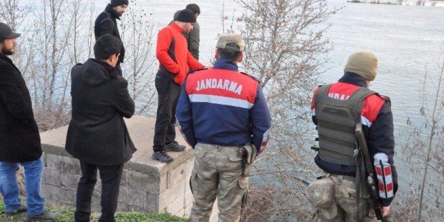 Yaşlı adam karısı ve oğlu tarafından öldürülüp nehre atıldı