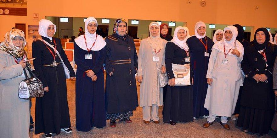 Dürümlü'deki terör mağduru kadınlar umreye gitti