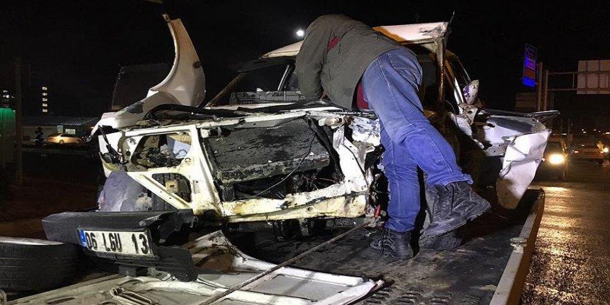 'Dur' ihtarına uymayan sürücü kaza yaptı: 7 yaralı
