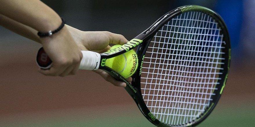 Teniste 'yasa dışı bahis' cezası