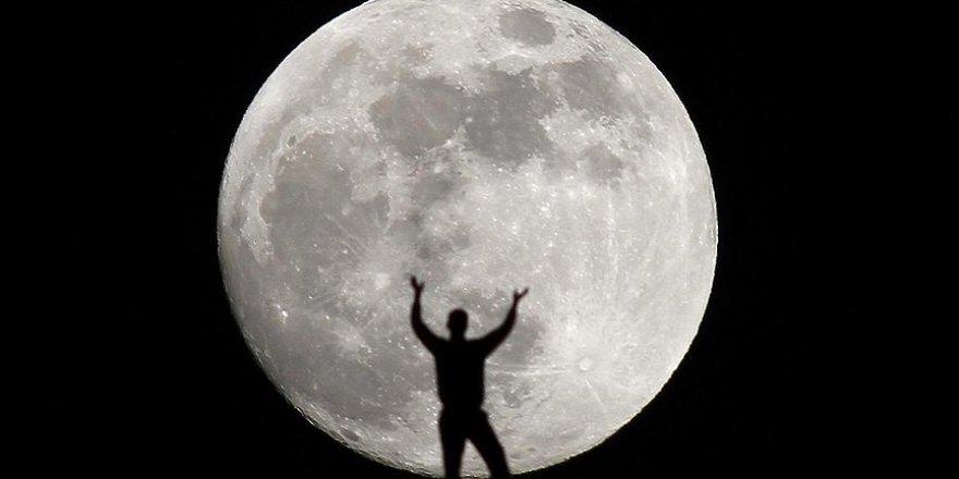 Ay, sanılandan daha yaşlı çıktı