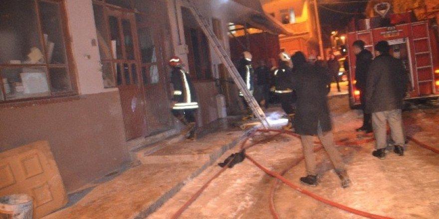 Marangozlar Sanayi Sitesindeki korkutan yangın