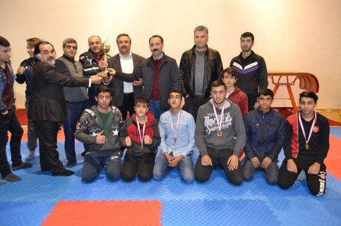 Kick boks okul sporları il şampiyonası yapıldı