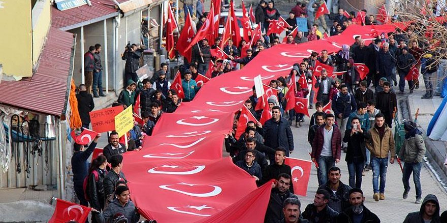 Diyarbakır'da 'Teröre Lanet Şehide Saygı' mitingi düzenlendi